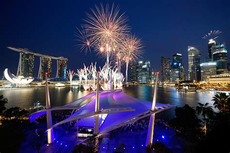 new notes new year singapore 2016 what you need to about singapore banking in 2016