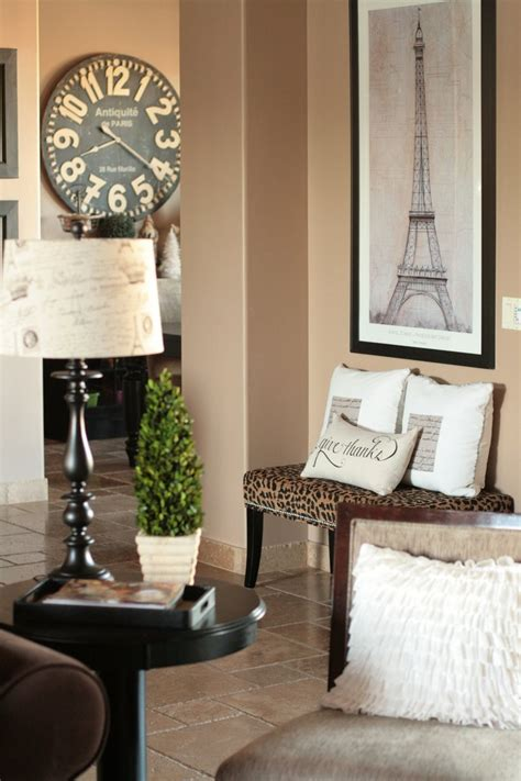 home decor paris theme in love with the paris touch here especially the clock