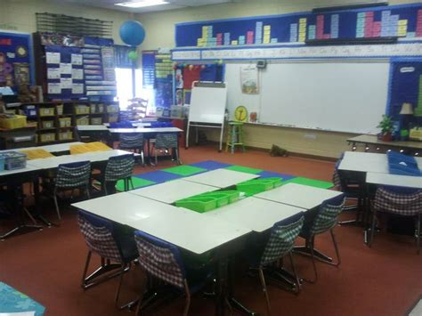 classroom layout meeting 142 best images about seating arrangements on pinterest