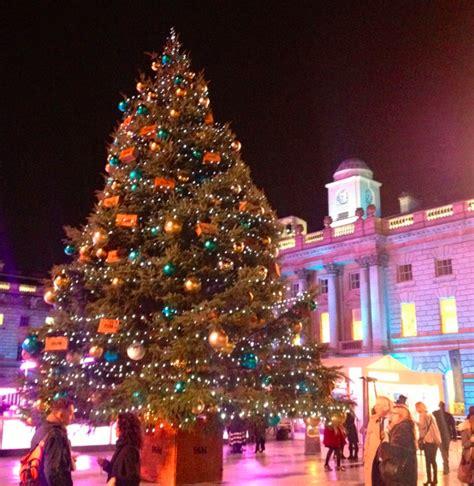 seven romantic christmas date ideas