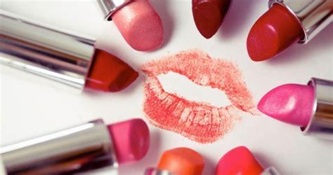 Lipstik Untuk Si Bibir Tebal warna lipstik yang tepat untuk bibir tebal cantik tempo co