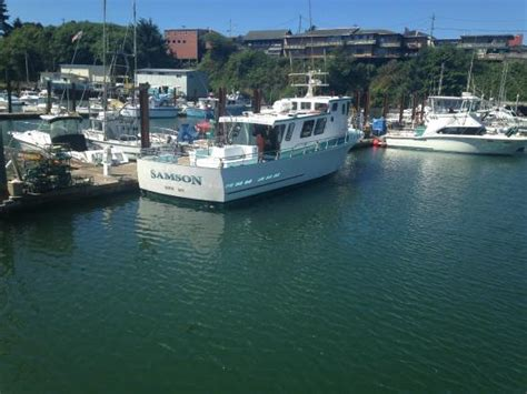 charter boat fishing depoe bay oregon depoe bay quot whale watching capital quot sign picture of