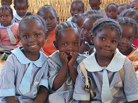 naija school girls attackers abduct 200 nigerian schoolgirls angry black