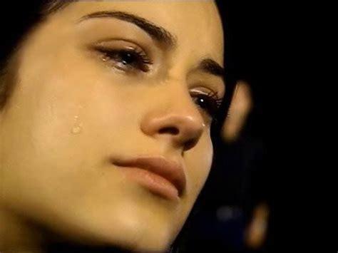 kemuliaan cahaya mata kenapa wanita menangis tanpa alasan