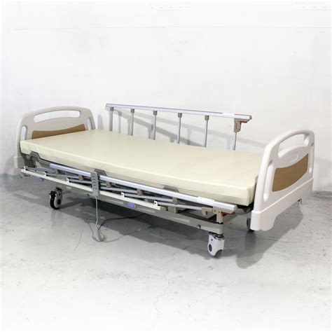 medical beds 3 crank electrical hospital bed