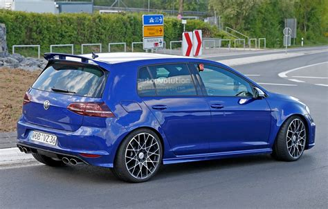 2016 Volkswagen Golf R400 First Spy Photos Show Hyper
