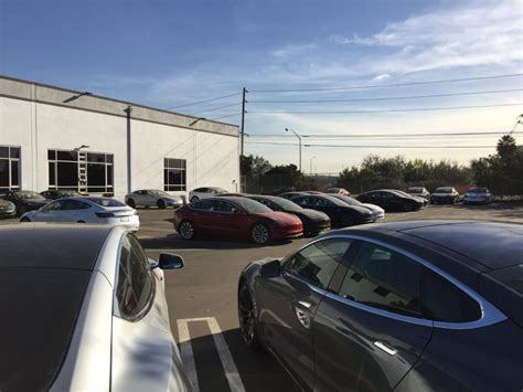 Tesla Los Angeles Tesla Opens New Los Angeles Delivery Center With Lot