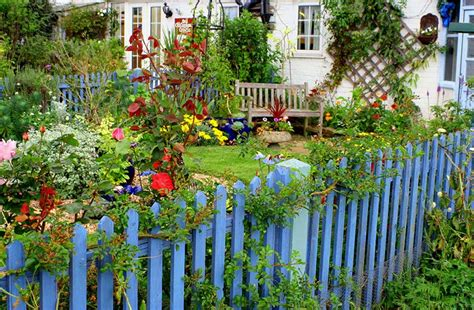 Flower Garden Fence 40 Best Garden Fence Ideas Design Pictures Designing Idea