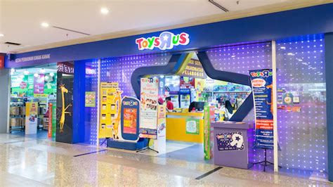 toys r us singapore new year opening hours thinking small key to toys r us recovery inside retail