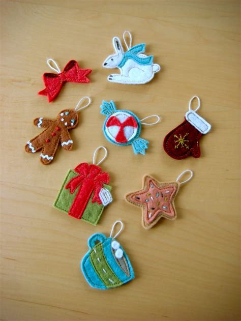 how to make small cute ornaments 70 diy felt tree ornaments shelterness
