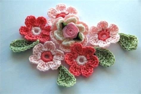 fiori all uncinetto come si fanno fiori all uncinetto ecco come crearli www donnaclick it