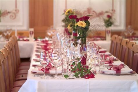 Paulette's blog: Simple Wedding Table Decoration Ideas Are