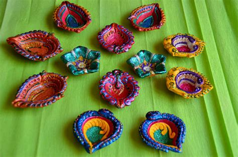 Handmade Diyas - handmade decorative diyas for diwali two pearls and an