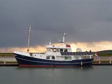 boat sales universal marina best 25 trawler yachts for sale ideas on pinterest