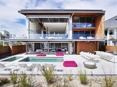 amazing modern homes top 10 modern house designs for 2014
