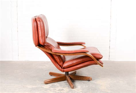 Mid Century Swivel Lounge Chair by Mid Century Swivel Relax Lounge Chair For Sale At