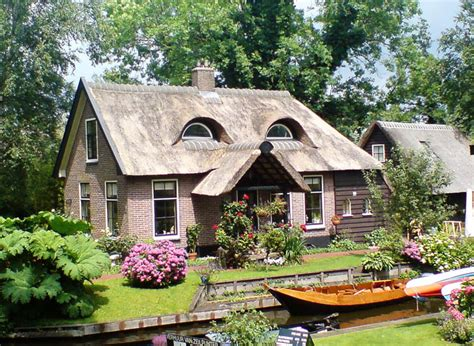 bizarre houses 50 creative houses with human faces for art lover