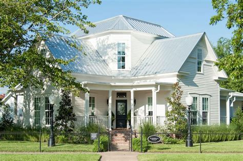 magnolia house bed and breakfast waco tx homesdecorinfo magnolia house is opening up 2017 reservations next week