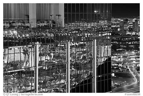 the black room las vegas black and white picture photo dining room and reflections the hotel at mandalay bay las