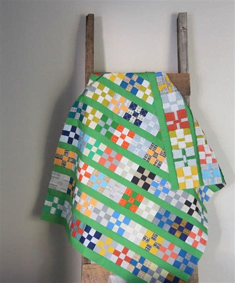Sewing Quilt Squares Together by Cluck Cluck Sew Quilt Tutorial Grassy Doe Quilt Top