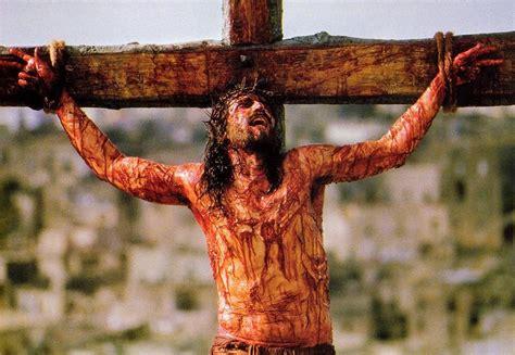 Salib Yesus Kristus irwanto gambar gambar kesengsaraan tuhan yesus