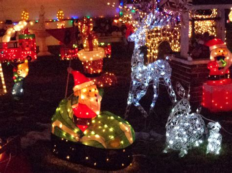 christmas lights lawn ornaments picture free photograph