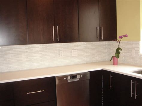 kitchen design with martini mosaic glass tile backsplash