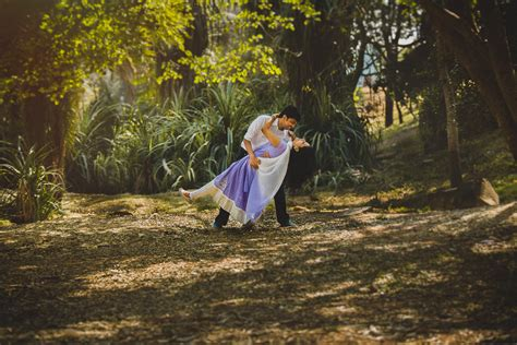 Outdoor Wedding Photography by Pre Wedding Shoot At Bangalore