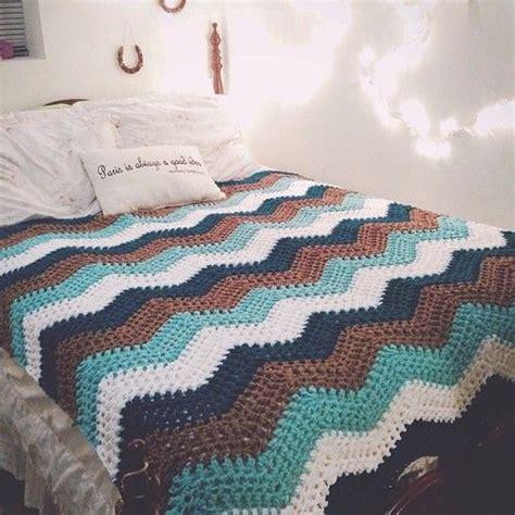 splendid ripple throw free crochet pattern from red heart 1000 ideas about chevron blanket on pinterest chevron