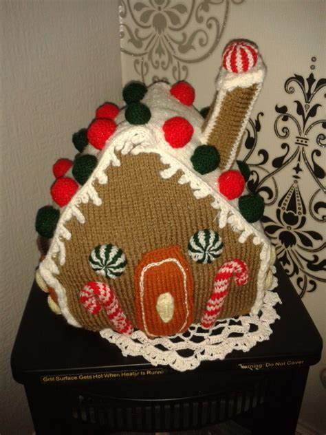 knitting pattern gingerbread house knit gingerbread house 183 a gingerbread man plushie