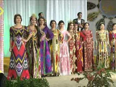 uzbek girls in national clothes milliy libosli ozbek показ одежд дизайн центра шарк либослари doovi