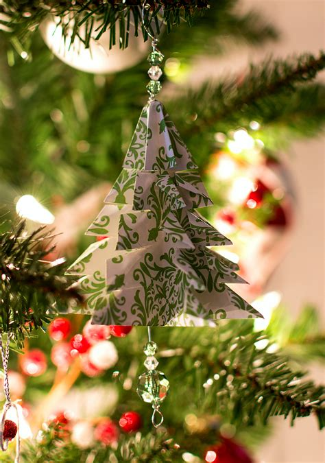 Handmade Tree Ornaments - 25 easy paper ornaments you can make at home