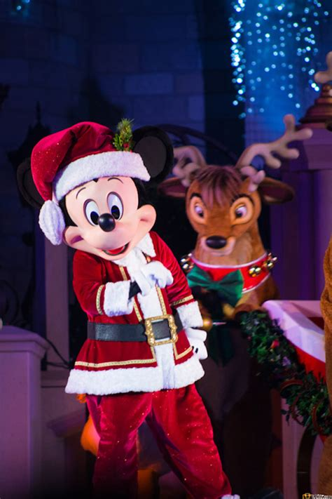 magic kingdom christmas shows