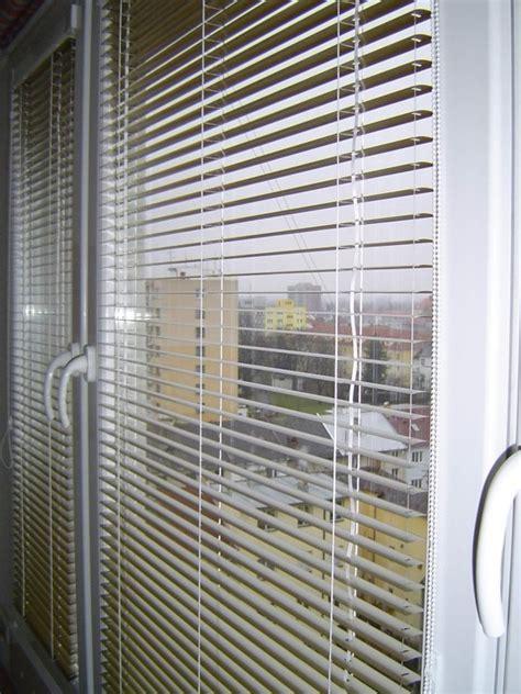 Fenster Sichtschutz Möglichkeiten by Gro 223 Artig Innenjalousien Fensterrahmen Zeitgen 246 Ssisch