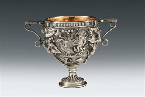 vasi argento vaso biansato in argento fuso e cesellato argentiere