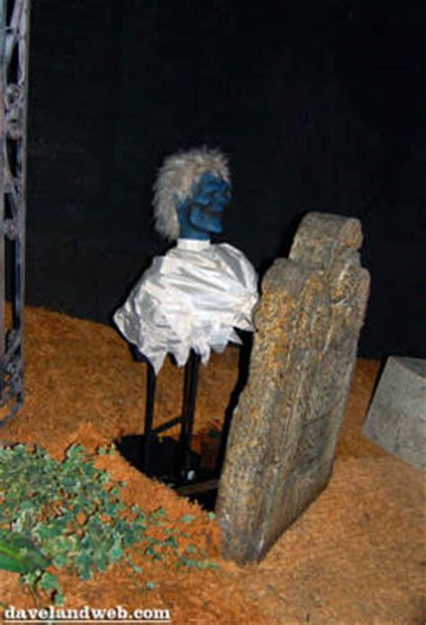 pop  ghosts   haunted mansion transcending  spook house tradition boing boing
