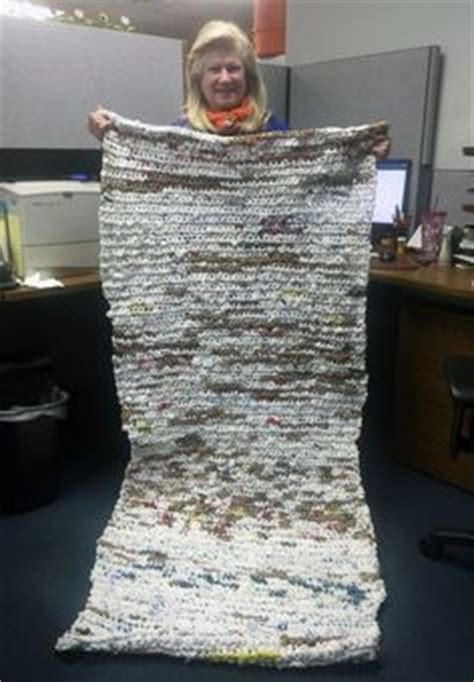 How To Make A Doormat Out Of Plastic Bags by How To Make Sleeping Mats For The Homeless Out Of Plastic