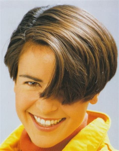 short wedge haircuts of the 70 s dorothy hamill wedge haircut q do you have a detailed
