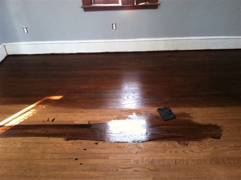 Applying wood floor stains, Get pro tips