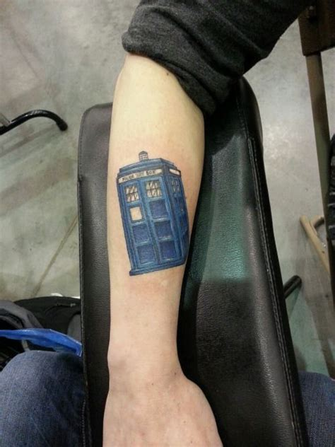 small tardis tattoo 25 best ideas about tardis on doctor