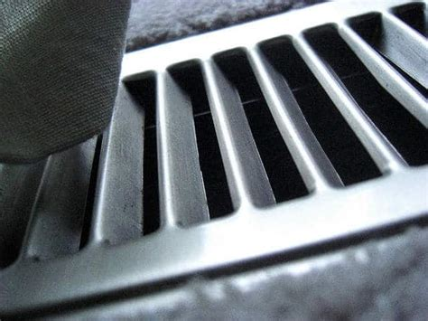 Cleaning Floor Air Ducts Yourself   Vacuum Companion