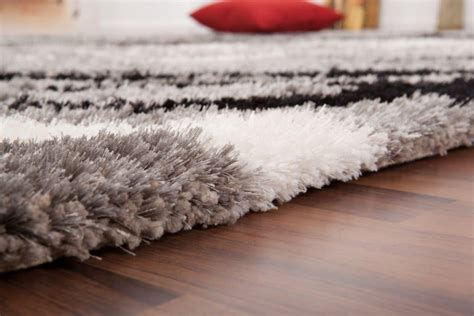 Tapis Shaggy Nettoyage by Comment Nettoyer Un Tapis Shaggy
