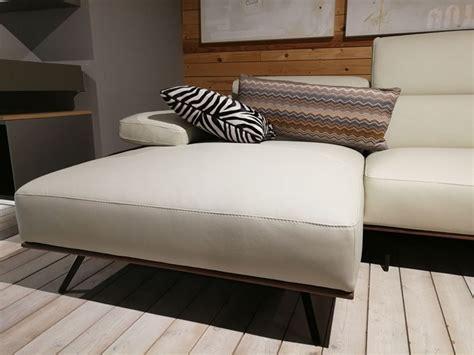 divani pelle prezzi outlet divano in pelle con penisola new york alpa salotti a
