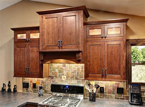 angle crown molding cliqstudios com traditional angle crown molding cliqstudios traditional kitchen