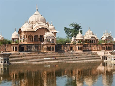booking  agra mathura   volvo