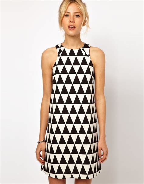 Triangle Pattern Dress | 156 best images about body shape inverted triangle