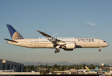 united airlines returns to paine field with new services airways n38950 united airlines boeing 787 9 dreamliner at
