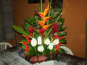 arreglos florales de azucenas floreras tu jardn arreglos florales tu jardin arreglos florales para auto