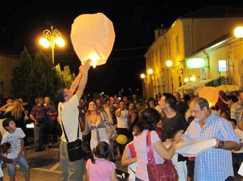 lanterne volanti roma nizza torna la notte delle lanterne volanti la nuova
