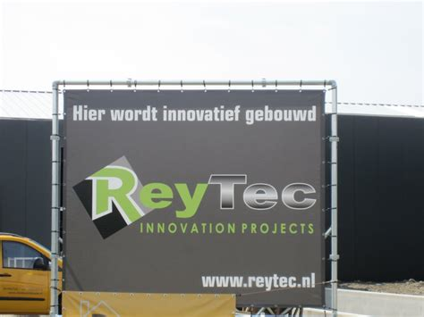 Reytec Innovation Projects Commercial Building With Overhead Doors Nl